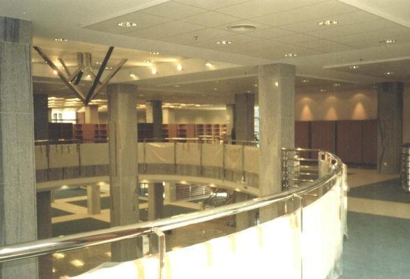 wykładzina podłogowa w nowoczesnym budynku