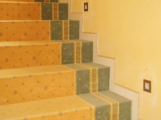 wykładzina dywanowa na schodach 3