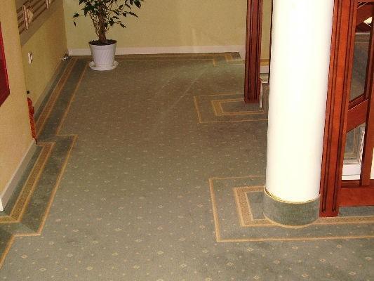 wykładzina dywanowa we wzory