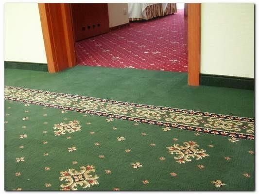 wykładzina dywanowa w hotelu