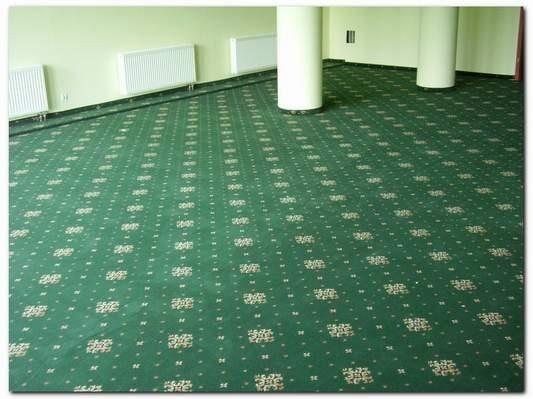 zielona wykładzina dywanowa