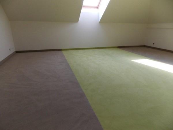 zielono-szara wykładzina dywanowa 1