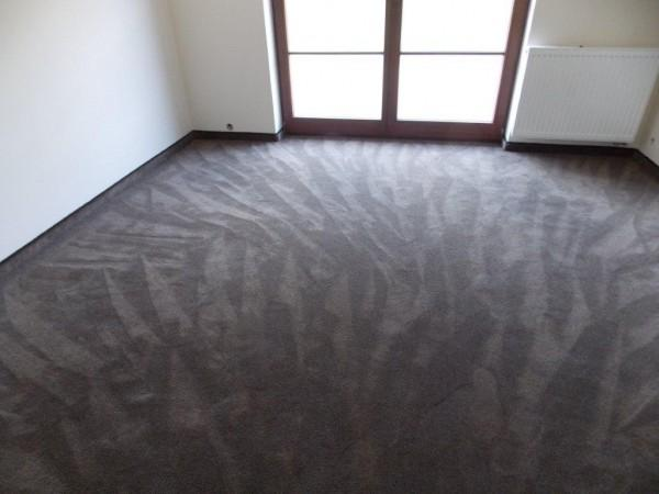 wykładzina dywanowa w nowym mieszkaniu