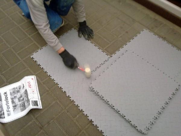montaż wykładziny podłogowej